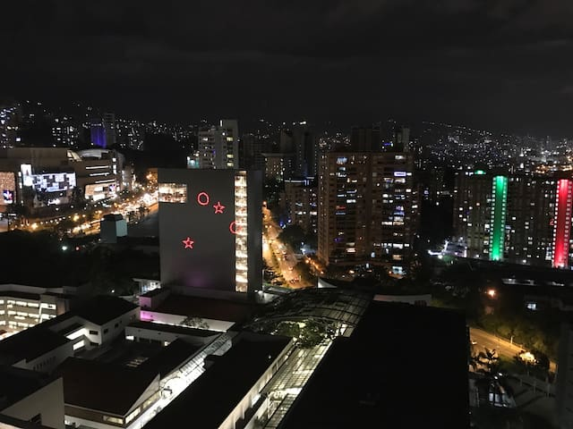 LOFT WITH AMAZING VIEW - Medellín - Lägenhet