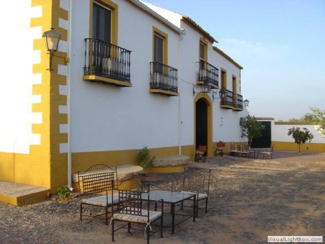 """Cortijo Molino S. Juan; """"Casa Molinero"""" 7 personas"""