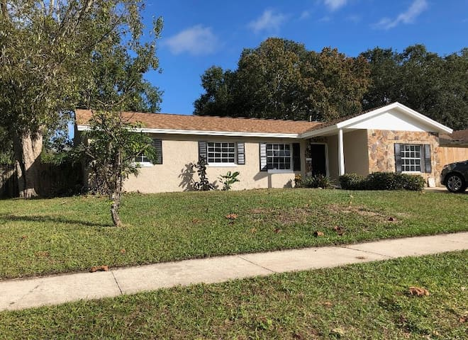 Spacious Family Pool Home Near Everything Orlando