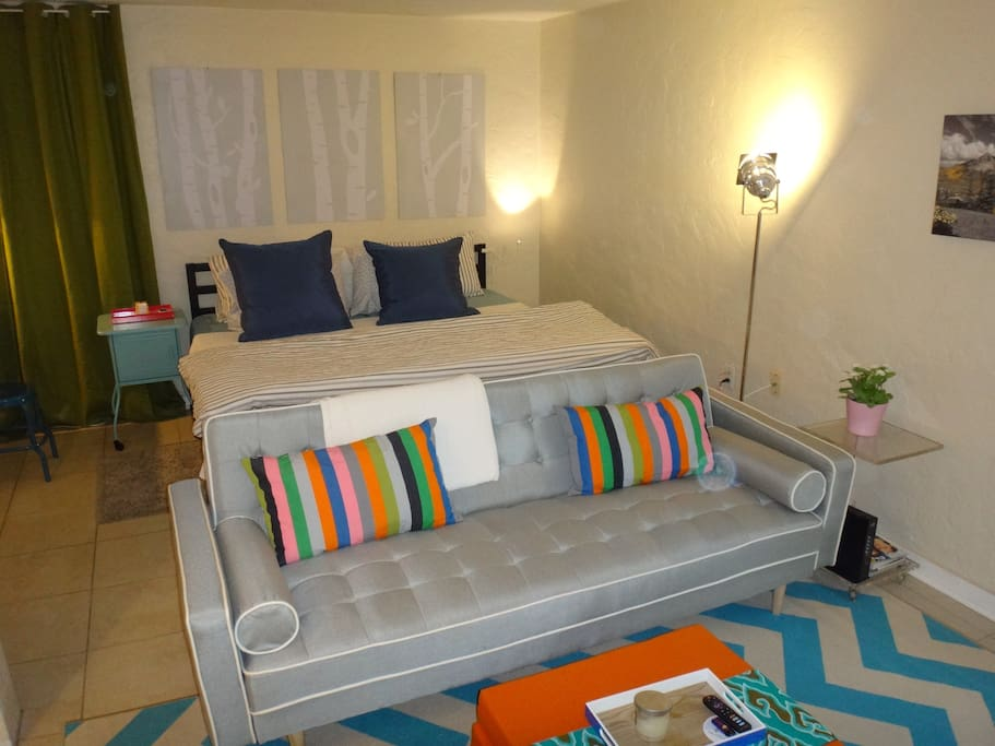 450 sq ft studio with King bed or Twins option.