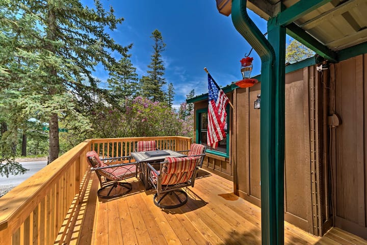 NEW! Cozy Outdoorsy Haven by Golf Course w/ Deck!
