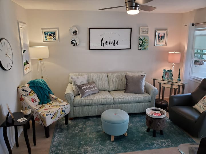Cottage style apartment close to downtown St Pete