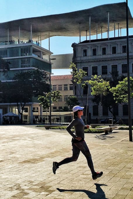 Correndo perto do Museu de Arte do Rio