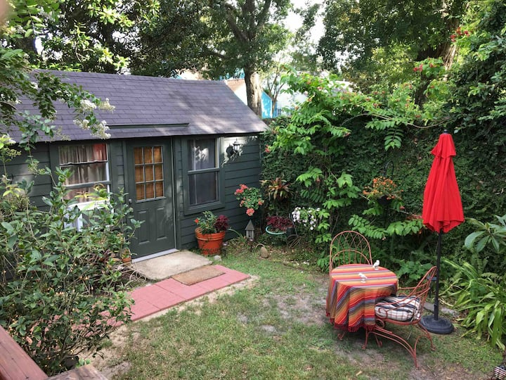 Private Audubon Park Garden Studio near Tulane
