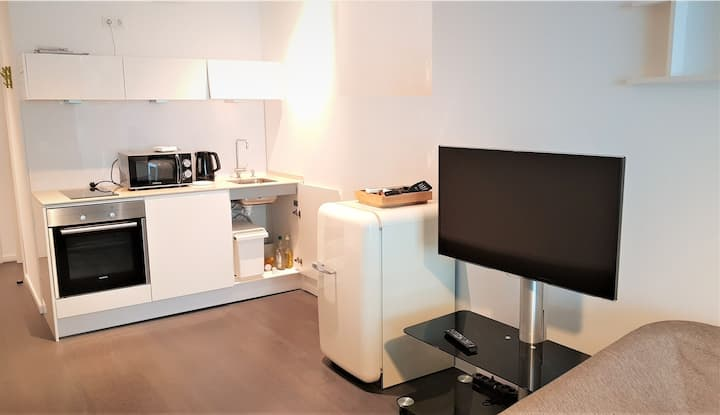 Fantastic apartment with balcony in Cologne center