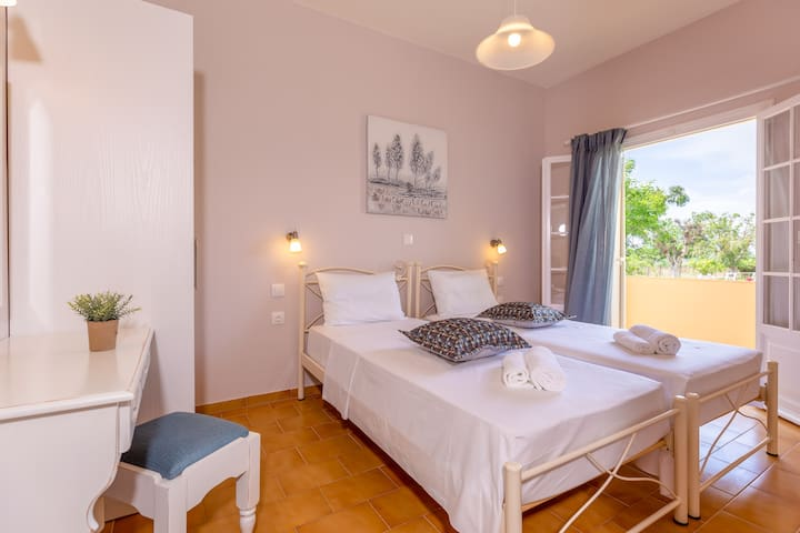 GALINI - spacious studio ground floor