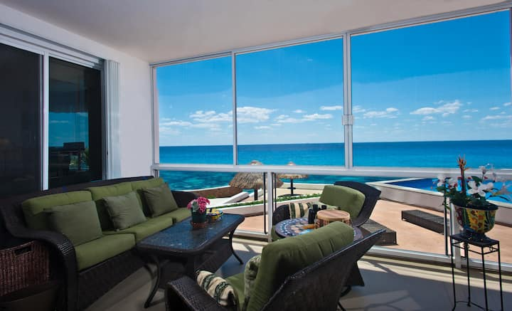 Amazing ocean front condo with best amenities