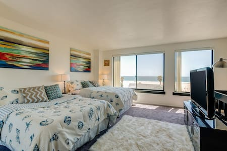 Ultimate Venice Beach Experience with Ocean Views! - Los Angeles