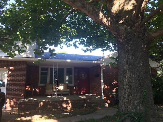 Louisville Home - Midtown Tulsa