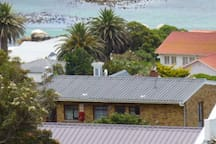 Prime location, close to Penguins and Boulders beach