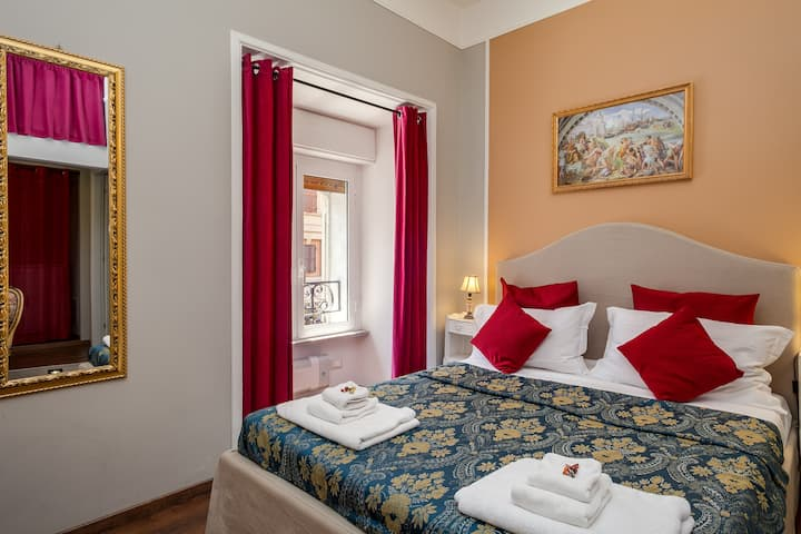 Double room at Raphael Rooms Guest House