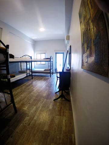 Single Bed in a Mixed Dorm - Amman - Bed & Breakfast