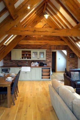 The Loft at Newnham Lodge - Newnham - Apartemen