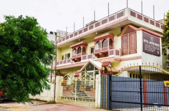 Hotel Anandam House ( A heritage Stay)