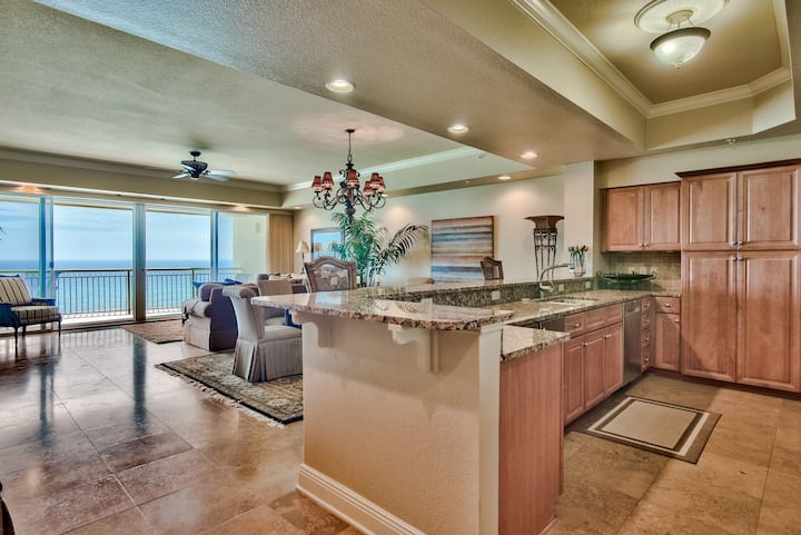 Beautiful & Spacious 3 BR w/ Pool & Balcony  view of the Gulf