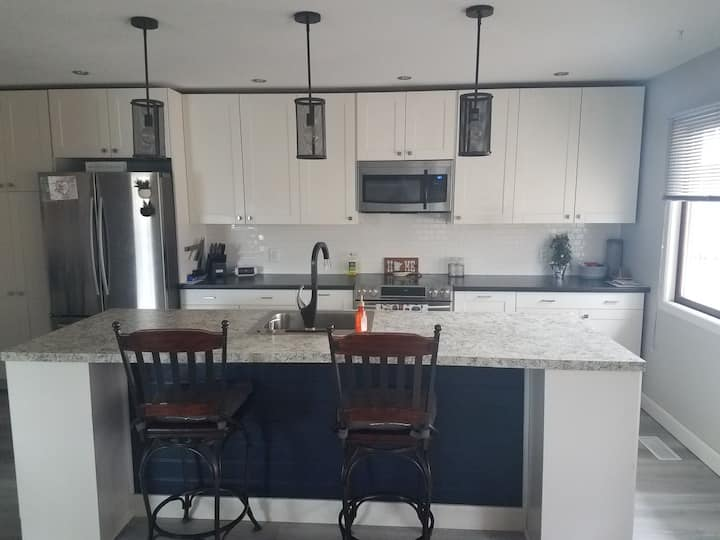 Cozy home with gas fireplace - 15 min from st.paul