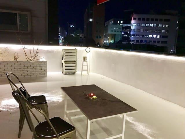 [Azit2] Rooftop house Mapo Hongdae/Sinchon/Itaewon