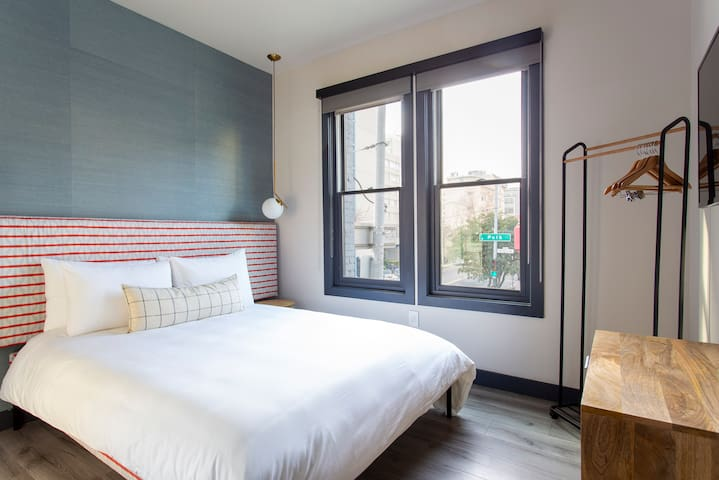 Sonder | The Townsman | Stunning Room + Front Desk