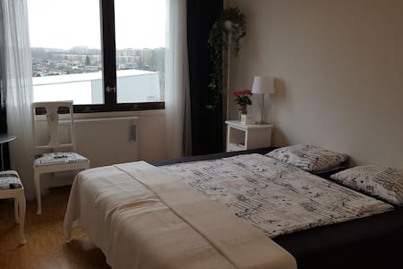 Comfortable, bright room near to the Pildam park . - Malmö