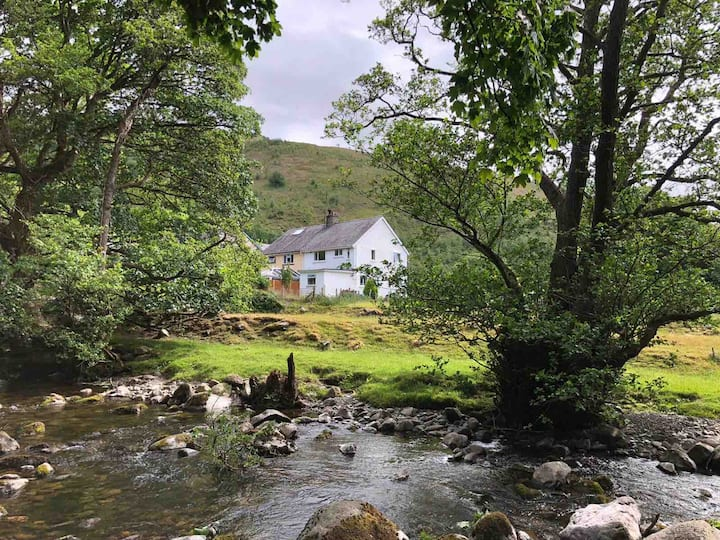 Relaxing Stay near Aber Falls, Snowdonia