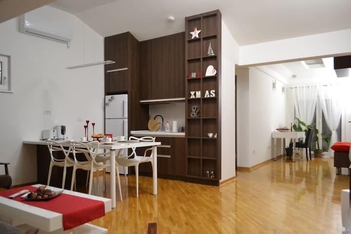 Fine Living 122 (White apartment)