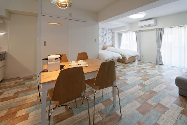 402 /3ppl/Best Stay for long term stay/Cafe room