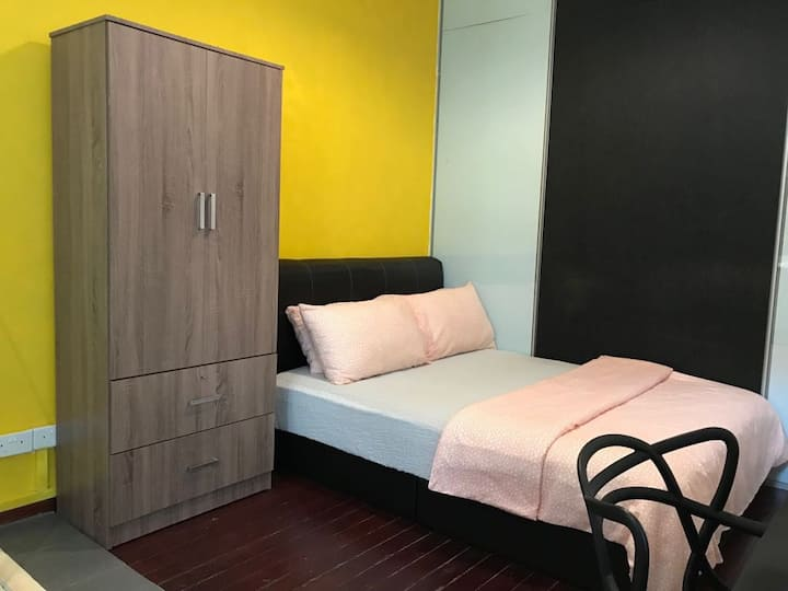 Private bedroom (7) in CBD/Rochor/ No host stay