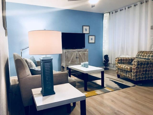 LunaSea Unit-3    1 Bed / 1 Bath