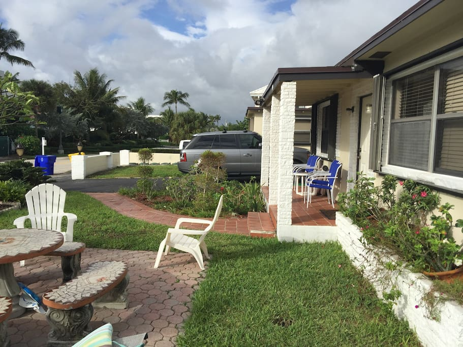 2 Bedroom Beachside Apartment Apartments For Rent In West Palm Beach Florida United States