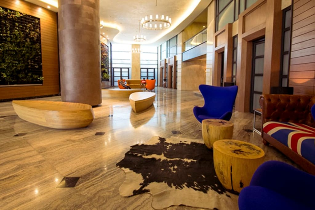 Lobby with 24 hrs concierge service