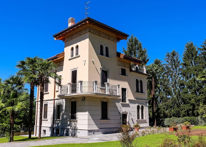 Suite Virginia , B&B Villa Chiara - Biandronno