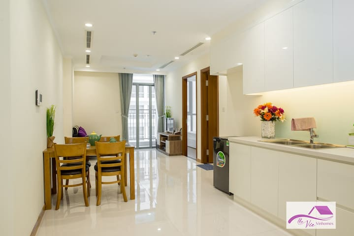 Best Price! 1Bedroom with full serviced/ Vinhomes