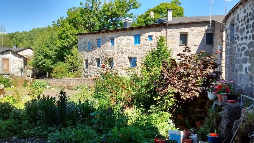 Casa rural alquiler completo en A Veiga, Trevinca - A Veiga - Hus