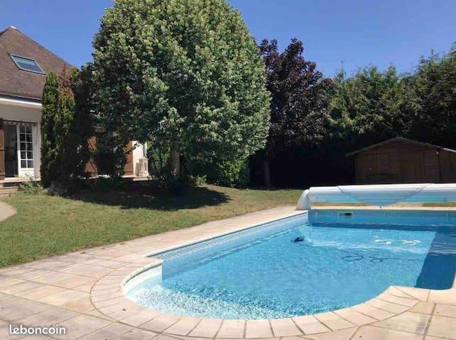 Charmante villa Pt Ste Marie de 180m2 avec piscine