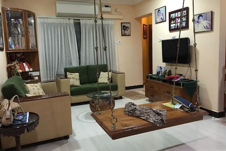 Fully Furnished 1B Apt in Ideal Central Location - Chennai - Byt