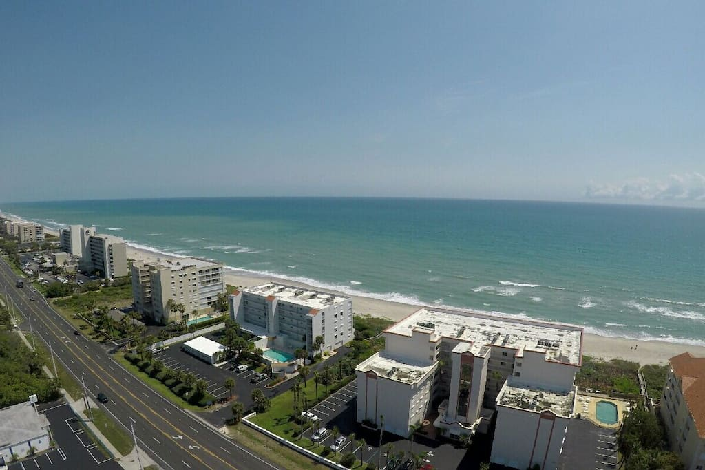Aerial view of the A1A street . the apartment is on the left of the A1A