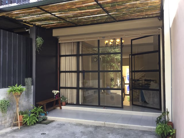 A spacious townhouse,near old city - Chang Puak - Rumah bandar