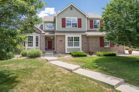 Luxury 5 bedroom family-friendly home by Boulder - Broomfield
