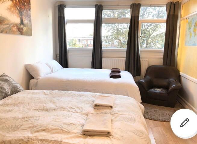 Nice and Big room near to Tower Bridge