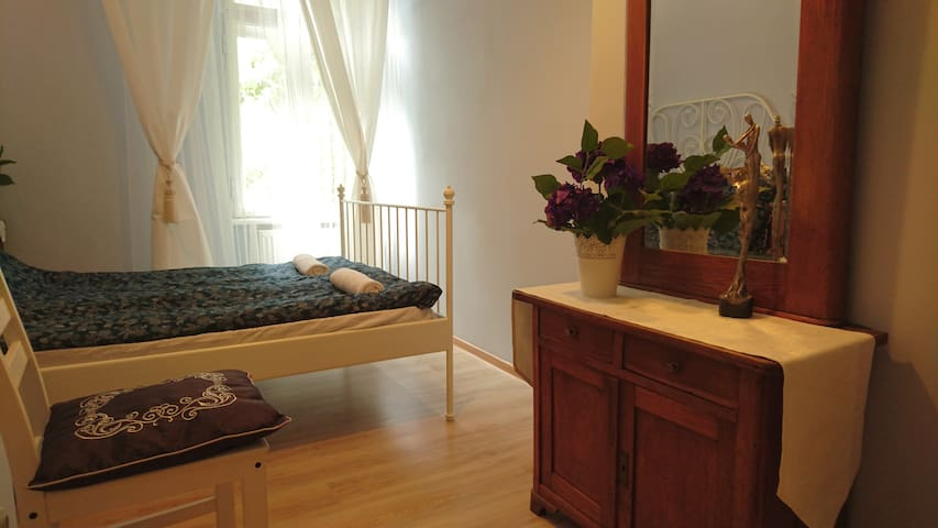Romantic, heavenly room in the heart of Old Town