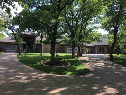 CLEAN 2 Bed Guest House Rt 66 Lake Arcadia/Edmond