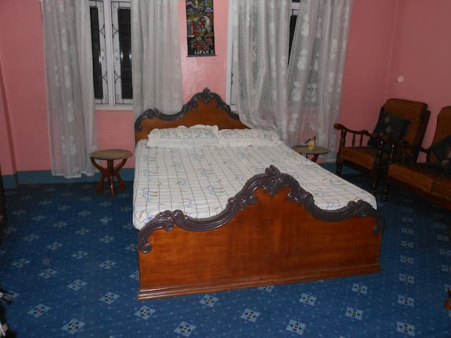 2 private rooms in the heart of kathmandu