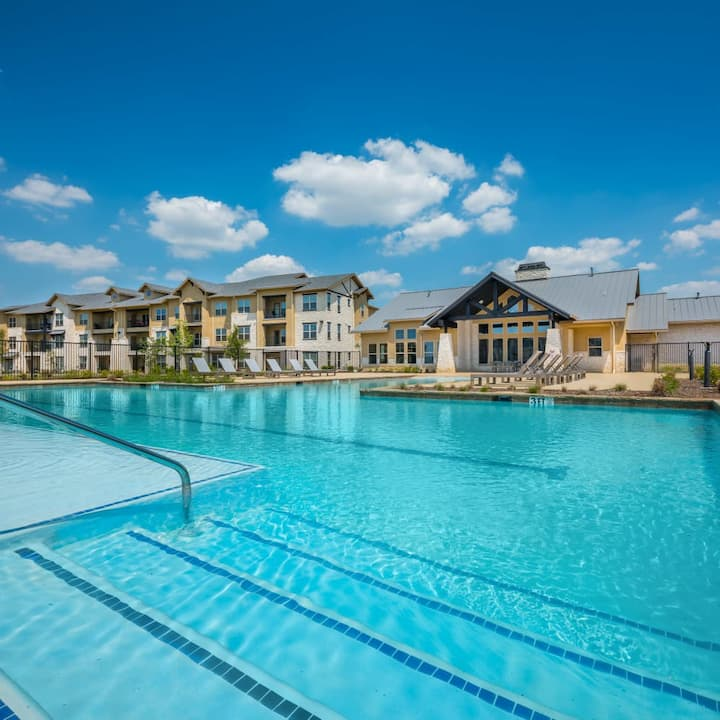 Exquisitely Furnished 1BR/1B Apartment Frisco TX