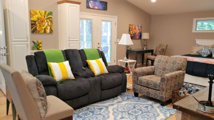 """Quail View-Your """"Suite"""" Home Away From Home"""