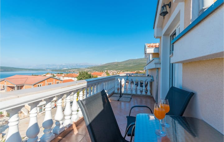 Stunning apartment in Gornji Karin with WiFi and 0 Bedrooms