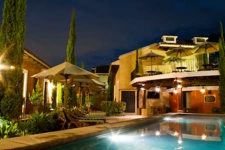 Luxurious Villa in Antigua - Antigua Guatemala