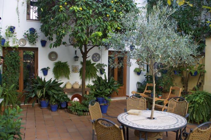 Habitación privada en una Casa-Tradicional - Kordoba - Dom