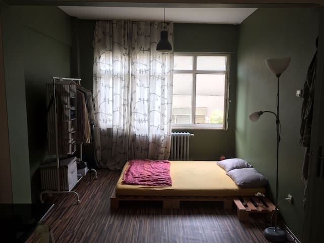 Central and very large room in Cihangir/Taksim
