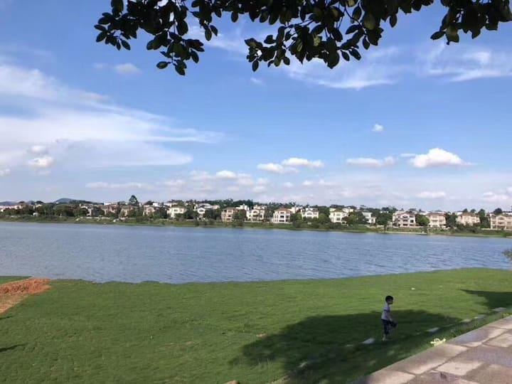 碧桂园/美林湖近清远黄腾峡古龙峡漂流带私家泳池独立大花园可接待10-45人湖景别墅
