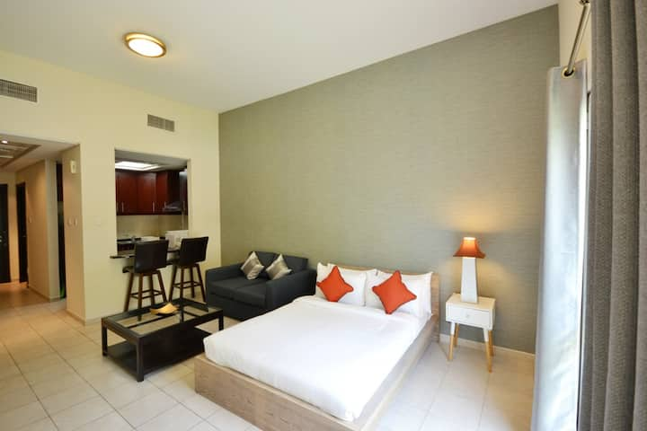 Budget Accommodation Close To Huge Shopping Mall